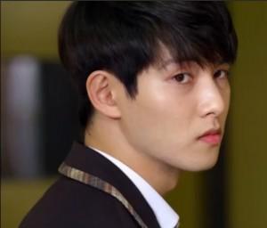 Han Si Hoo3